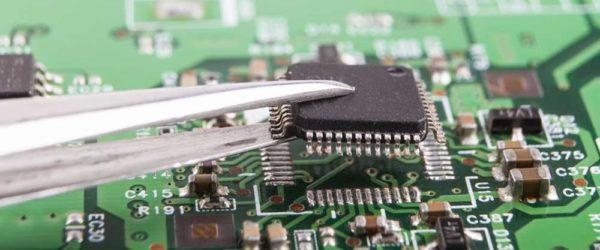 remplacement de carte électronique pcb